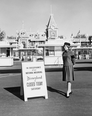Disneyland park closes its gates in honor of President John F. Kennedy