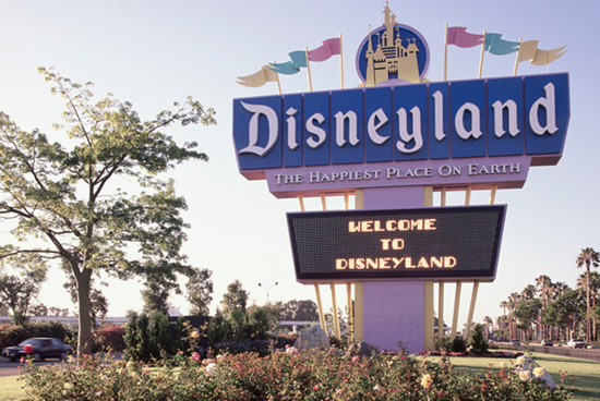 New Disneyland Sign Installed, 1989