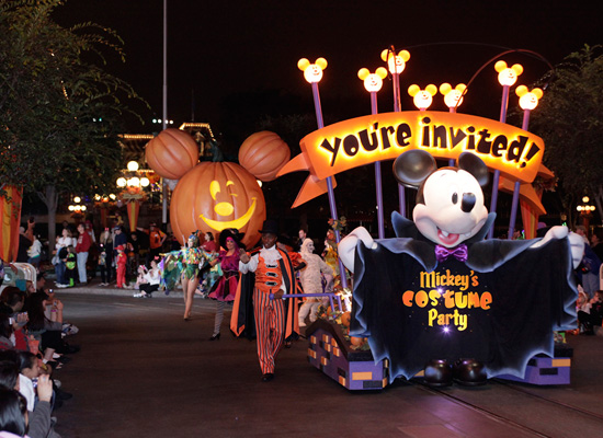 Opening Float for Mickey's Costume Party
