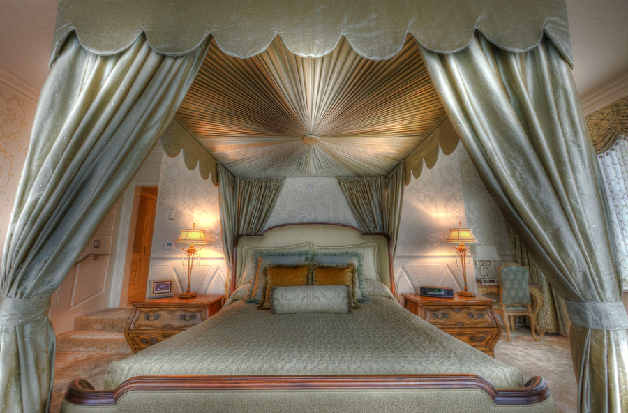 fairy tale suite at the disneyland hotel disney parks blog With disney world honeymoon suites