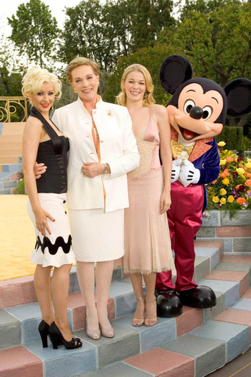 Christina Aguilera Making Memories At The Disneyland