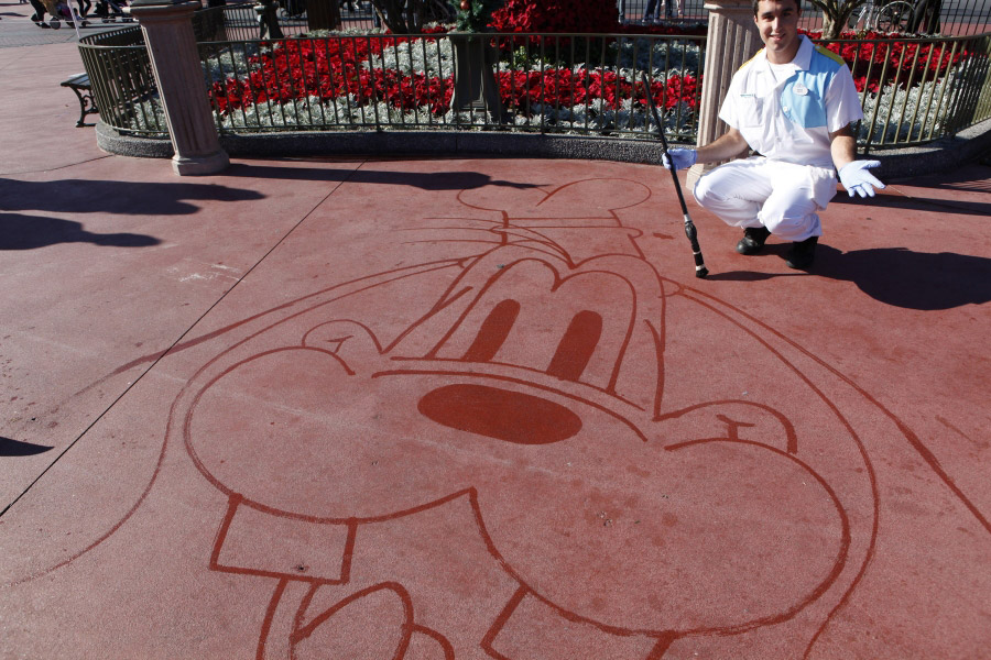 H2o To Oh Wow Custodial Cast Members Wow Guests With Water Disney Parks Blog