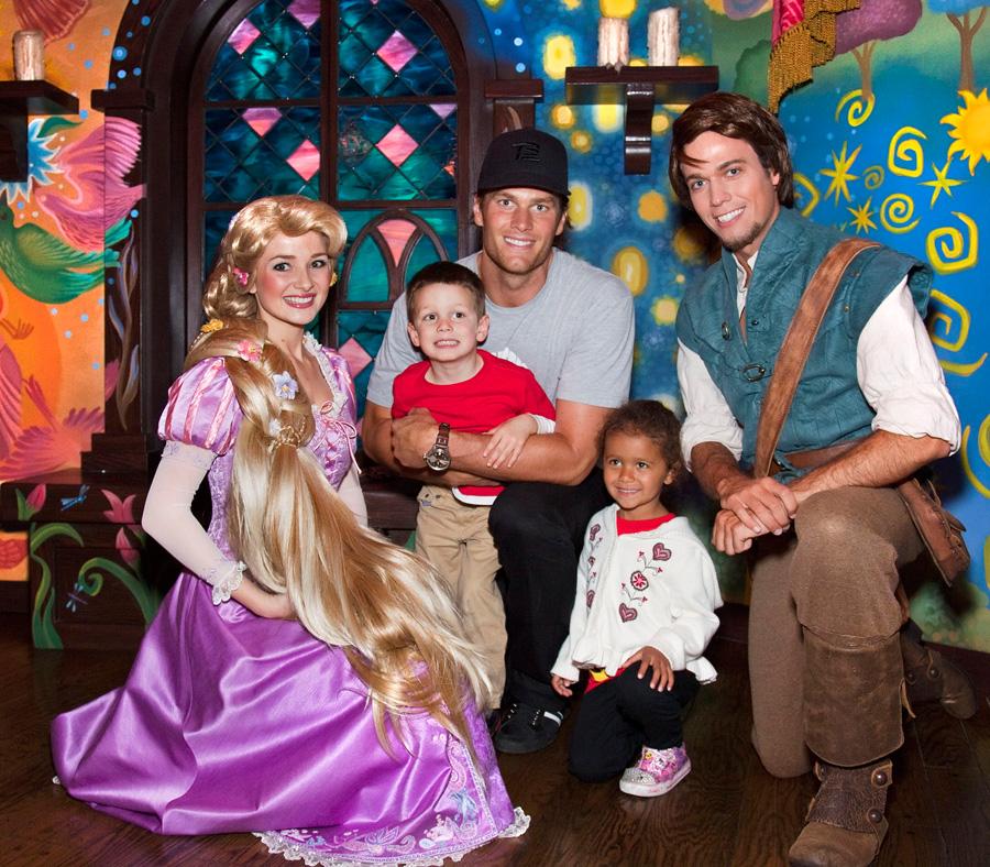 Tom Brady Family Photos Tom Brady And Family Meet
