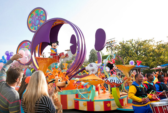 'Mickey's Soundsational Parade' at Disneyland Park