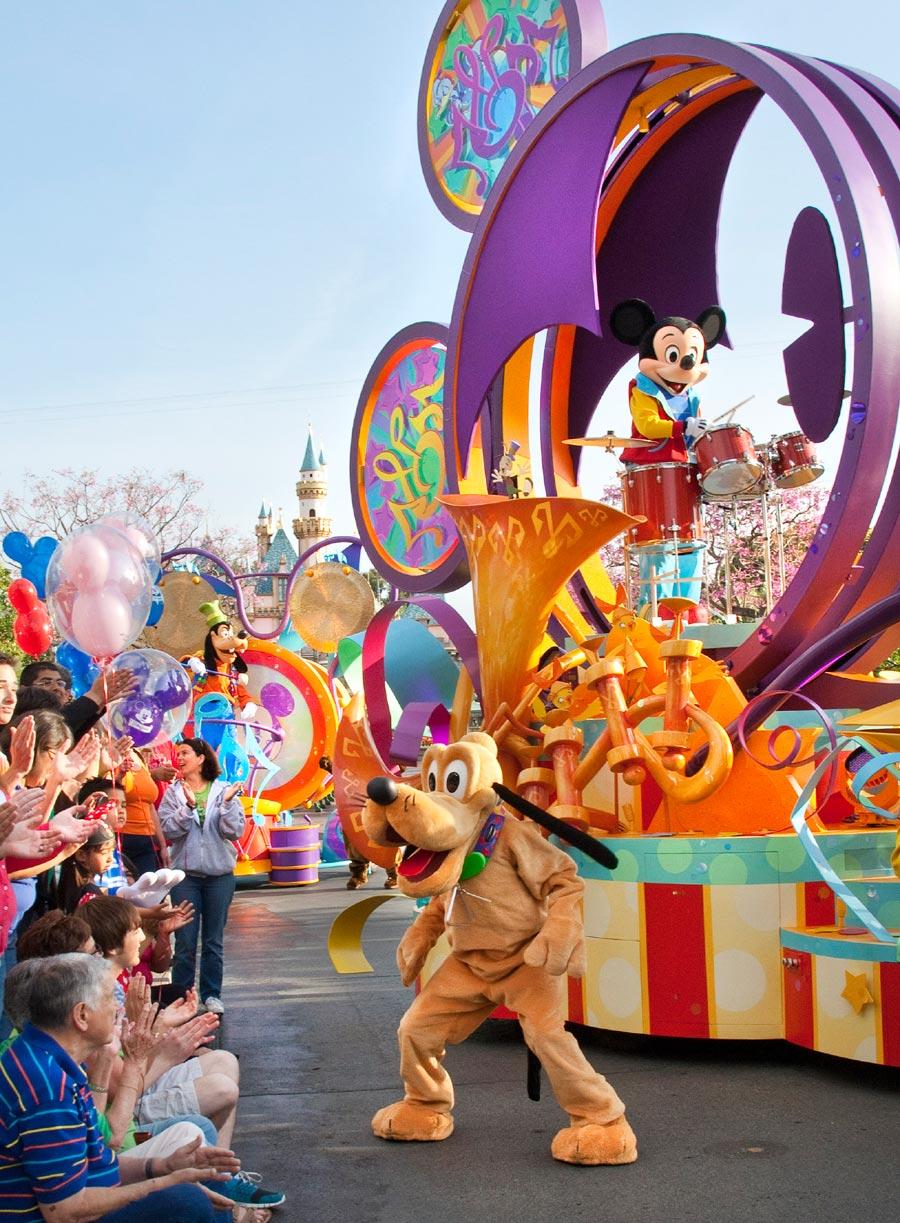 'Mickey's Soundsational Parade' Debuts Tomorrow « Disney Parks Blog