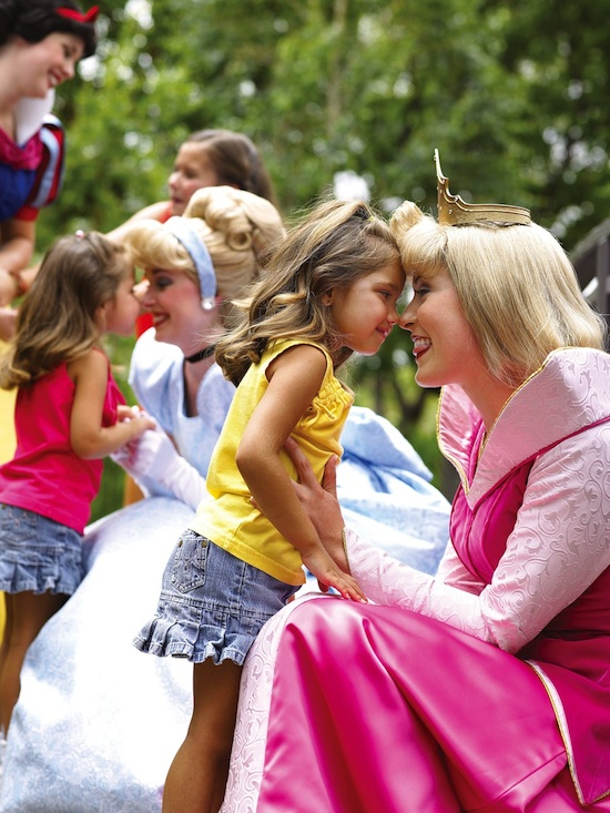 Walt Disney World Moms Panel Talks Princesses Tonight