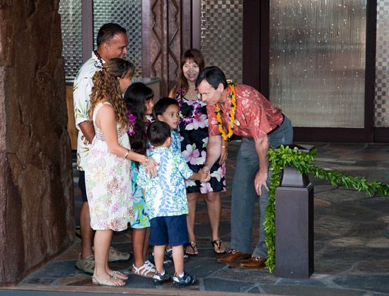Disney Parks &#038; Resort Chairman Tom Staggs Welcomes Guests to Aulani