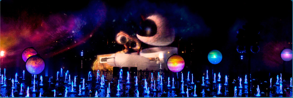 Wall-E in &#039;World of Color&#039; at Disney California Adventure Park