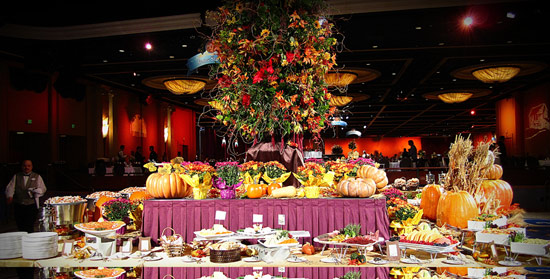 Celebrate Thanksgiving at the Disneyland Hotel