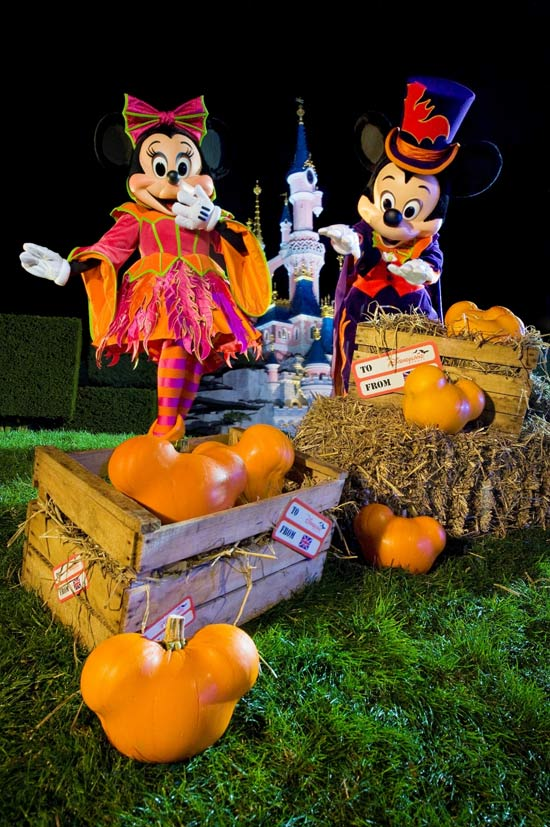 Behind The Scenes: Mickey Pumpkin Magic at Disneyland Paris