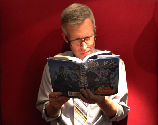 Disney Parks Blog Author Steven Miller Reads a Book from the 'Kingdom Keepers' Series