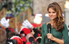 Host Maria Menounos Welcomes the Crowd