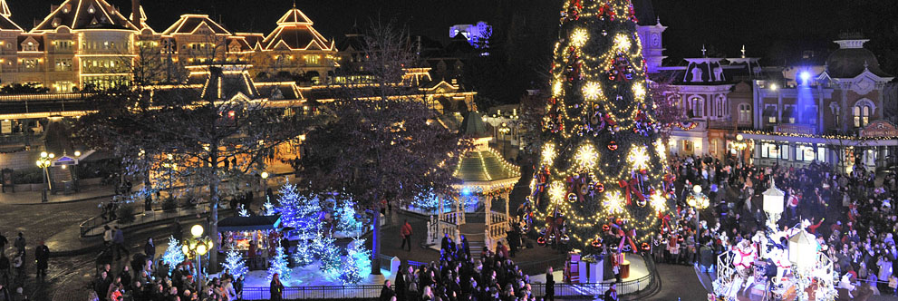 Happy Holidays from Disneyland Resort Paris