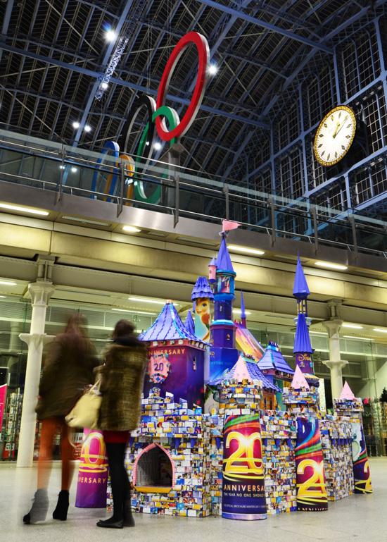 Artist Creates Disneyland Paris' Sleeping Beauty Castle with 50,000 Folds of Paper
