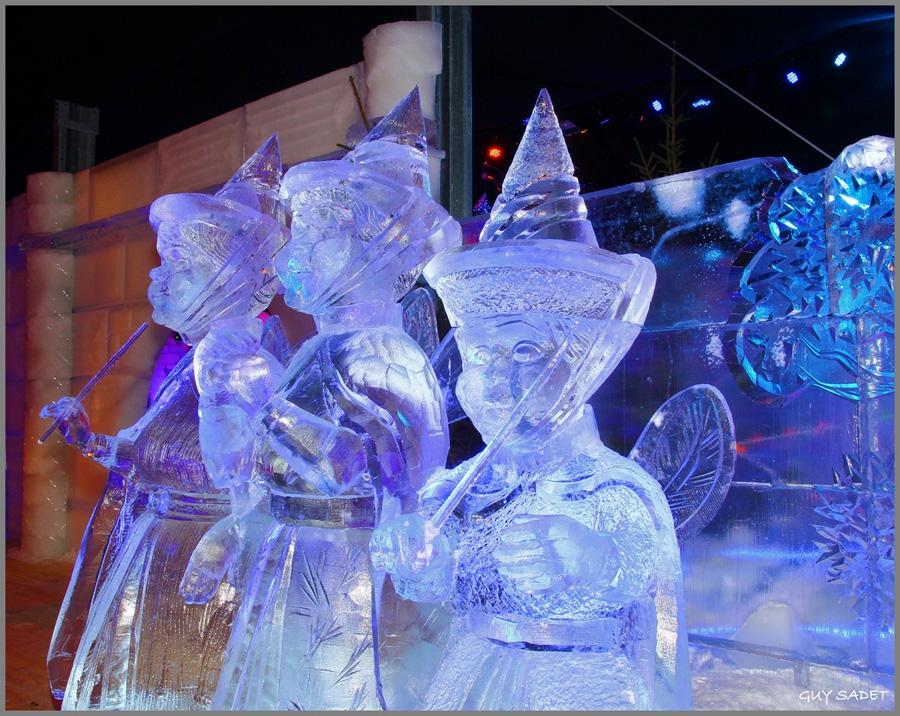 400 Tons of Ice Sculpted into Disney 'Ice Wonderland' � Disney ...