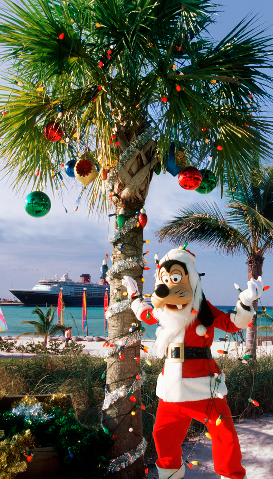 Santa Goofy Decorates at Castaway Cay