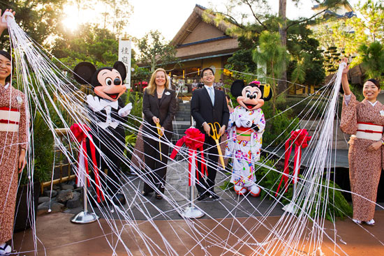 Mickey and Minnie; Erin Youngs, Vice President of Epcot; and Hideaki Morooks, General Manager International Business Operations for Isetan Mitsukoshi Holdings Ltd. at the Official Debut of Katsura Grill at Epcot's Japan Pavilion