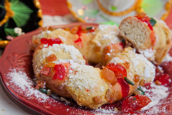 Celebrate Three Kings Day at Disneyland Park with Rosca de Reyes