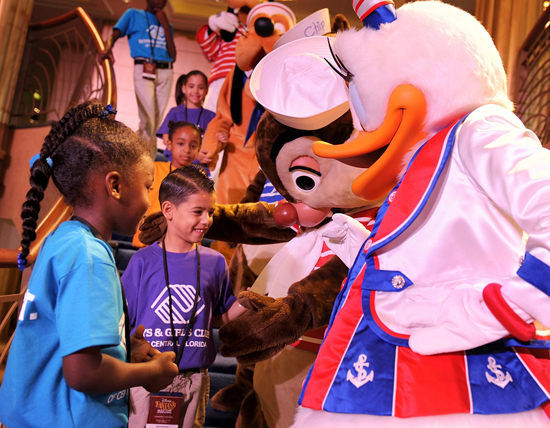 Disney Characters Meet the Boys &#038; Girls Clubs of Central Florida