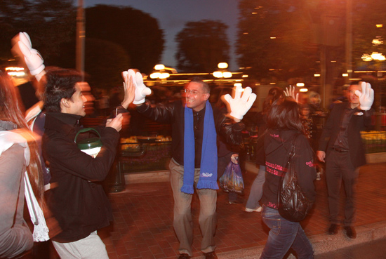Cast members lined Town Square to give high-fives to the guests who braved the wee hours of the morning.