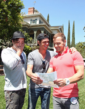 Jason Lawrence and his Brothers, Matt and Andy, Recreate a Publicity Photo from 1995