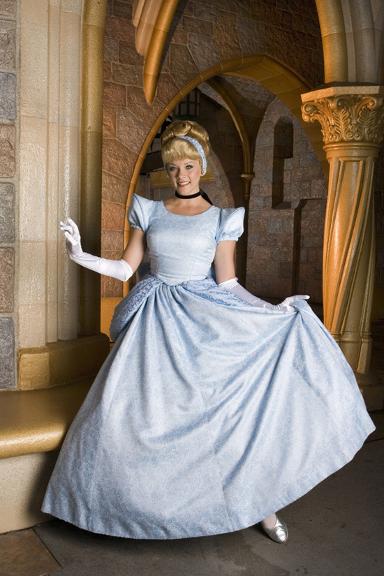 Cinderella Makes A Special Appearance for Mother's Day