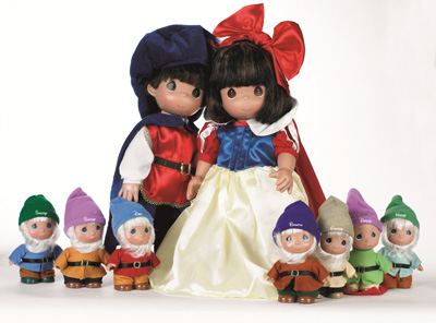 Doll Maker Linda Rick to Debut 'Charming' New Collection Featuring 'Snow White and the Seven Dwarfs' at Disneyland Park