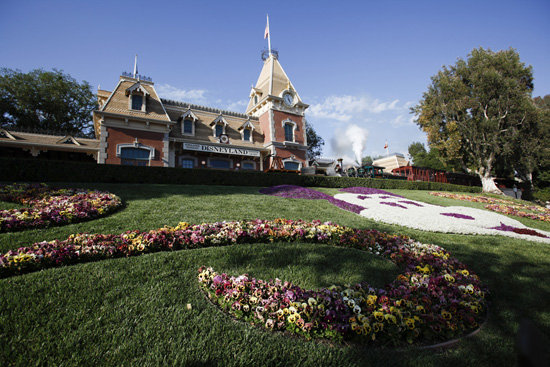 Disneyland Resort Guests Can Now Purchase Park Tickets Through Their Smart Phones