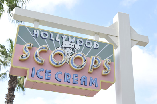 Vintage Walt Disney World: Hollywood Scoops Opens