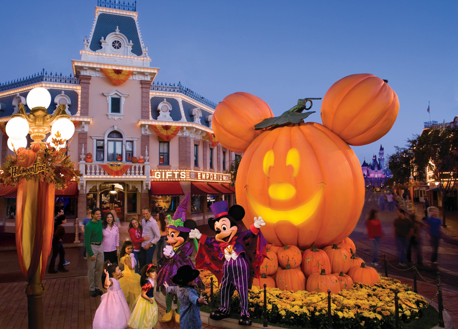 Things You Might Not Know About Halloween Time at the Disneyland ...