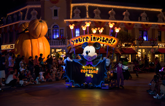 A Night at Mickeys Halloween Party in Disneyland Park