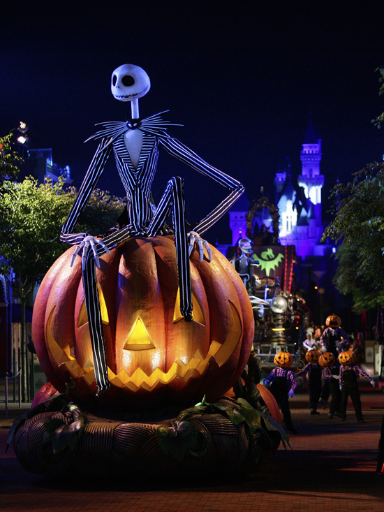 The Glow in the Park Parade at Disney's Haunted Halloween 2012 at Hong Kong Disneyland Resort