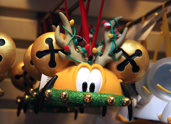 Take 5: Holiday Merchandise at Disney Parks