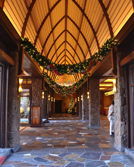 Season's Aloha! Holiday Fun for All Ages Coming to Aulani