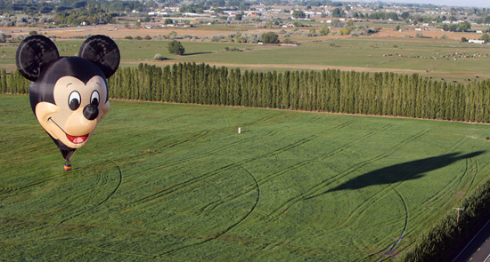 'The Happiest Balloon on Earth' Flying Over Prosser, Wash.