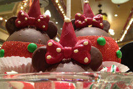 Sweet Holiday Treats Available at Disneyland Resort