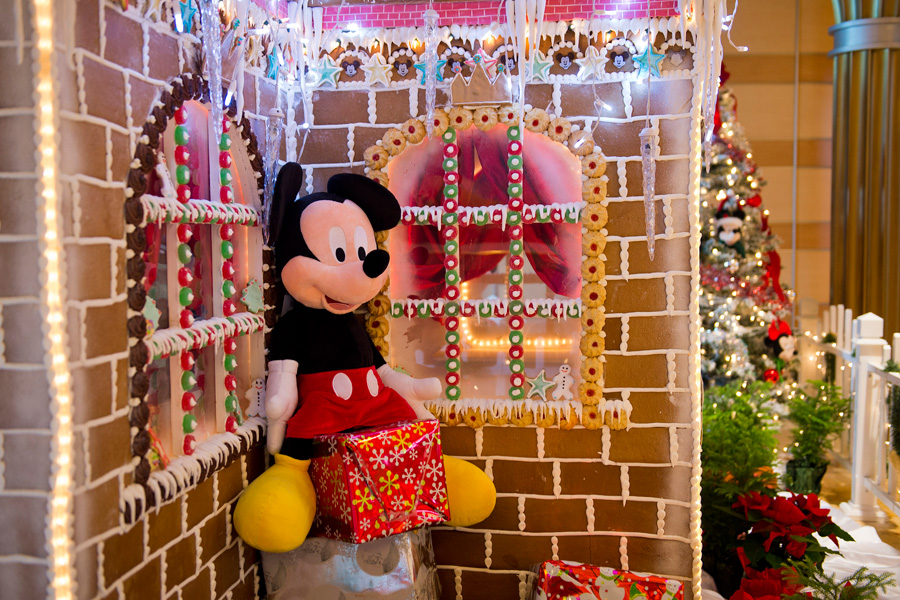 Disney Themed Christmas Decorations