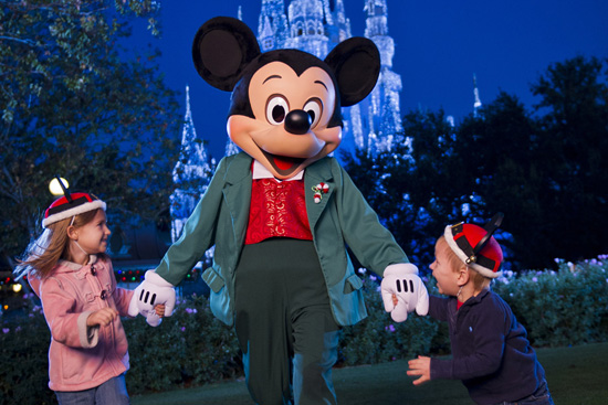 Lights, Parades and Other Holiday Fun Continue at Walt Disney World Resort Through January 8, 2013
