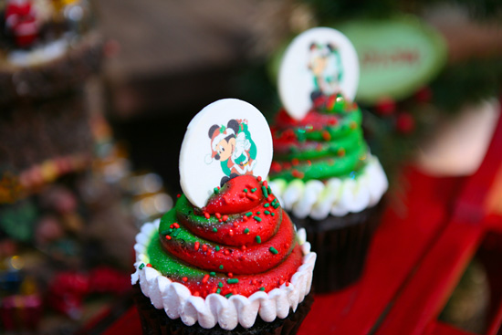These Yummy Cupcakes Are Sure to Sweeten Your Holidays at the Disneyland Resort