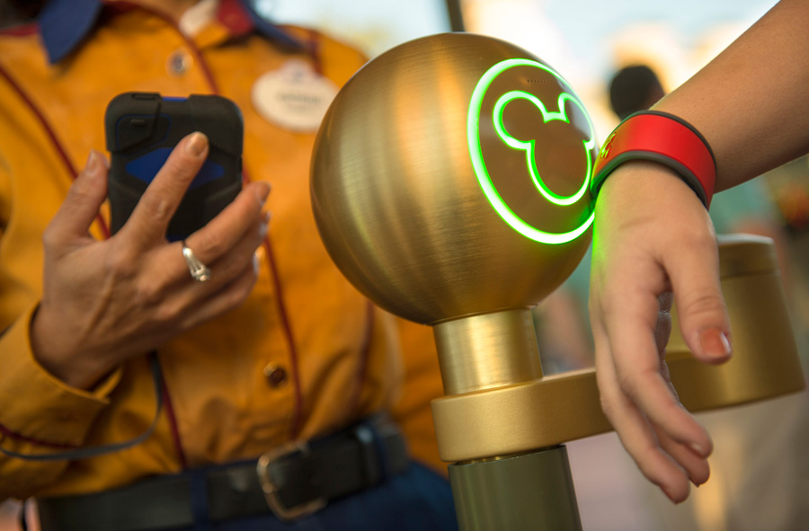 Disney's MyMagic+ band