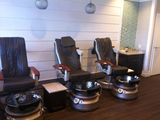 Relax, Rejuvenate & Unwind at Disney Resort Fitness Centers, Spas & Salons at Walt Disney World Resort