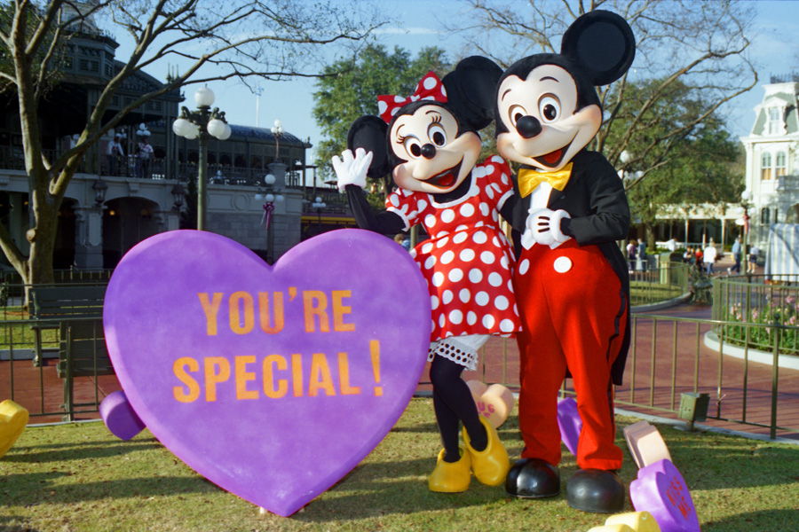 Mickey And Minnie At Walt Disney World Resort, Valentineu0027s Day 1995 ...