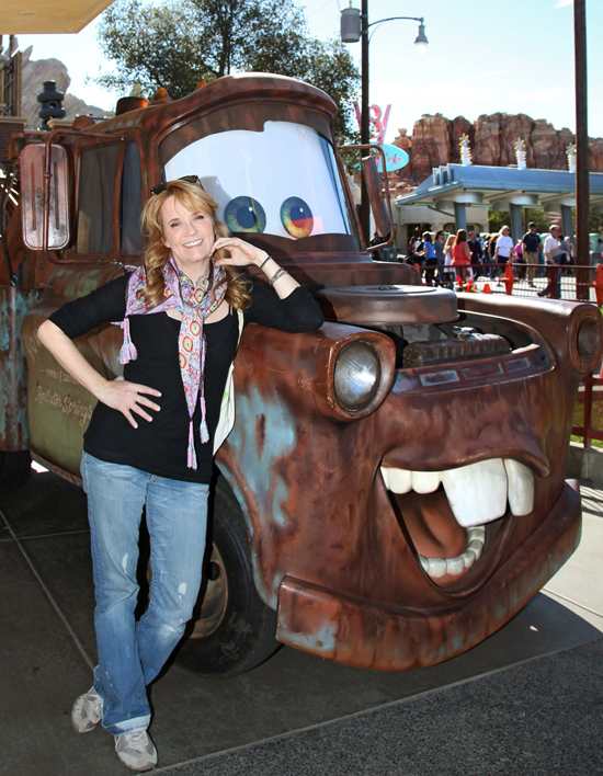Lea Thompson meets Mater in Cars Land