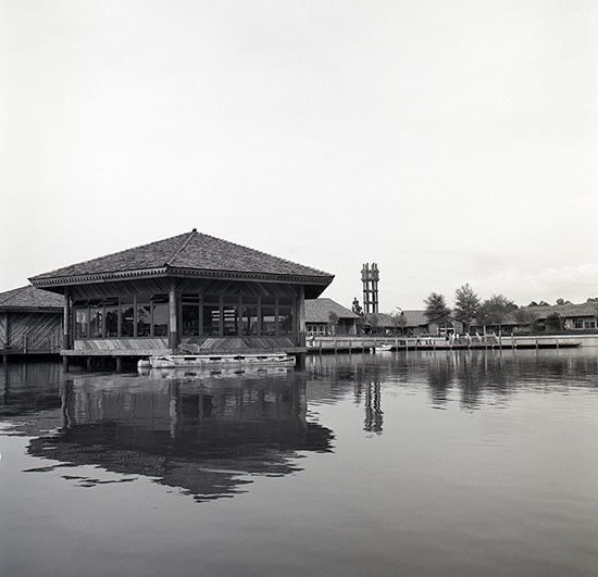 Vintage Walt Disney World: Lake Buena Vista Shopping Village Opens