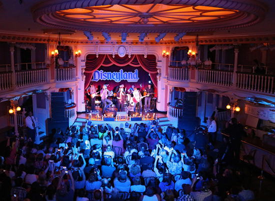 Lady Antebellum Celebrates Upcoming Album Release with 'Golden' Performance at the Disneyland Resort