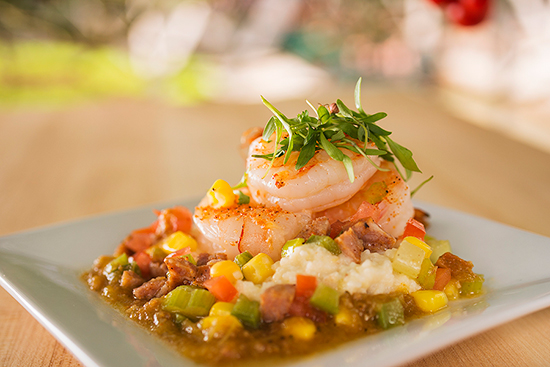 Shrimp &#038; Grits at Florida Fresh Marketplace on the Mexico Side of World Showplace
