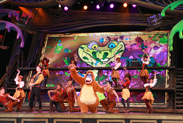 King Louie and the Mapmakers Perform 'I Wanna be Like You' from 'The Jungle Book' in 'Mickey and the Magical Map' at Disneyland Park