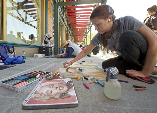 'Limited Time Magic' Brings 3-D Chalk Art to Downtown Disney