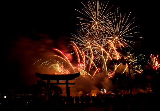 Disney Parks After Dark: Watching 'IllumiNations' From the Japan Pavilion at Epcot