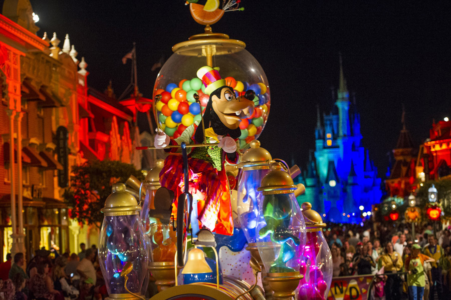 Mickey S Boo To You Halloween Parade Scares Up Fun At Mickey S Not So Scary Halloween Party At